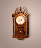 Alte Uhr der Weinlese mit dem Zeigen von preicse Zeit Lizenzfreie Stockfotografie