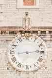 Alte Uhr in Sibenik Stockbilder