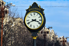 Alte Uhr am Verbands-Boulevard Stockfotos