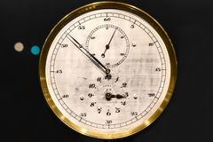 Alte Uhrnahaufnahme gemacht aus Stahl heraus Lizenzfreies Stockbild