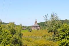 Alte ukrainische hölzerne Kirche Stockfotografie