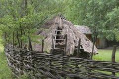 Alte ukrainische Hütte stockfotos