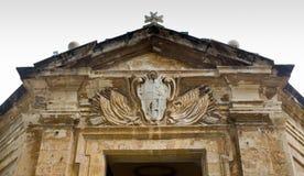 Alte und abgenutzte Malta-Kirche Stockfoto