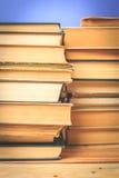 Alte und benutzte Bücher des gebundenen Buches Lizenzfreies Stockbild