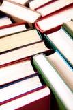 Alte und benutzte Bücher des gebundenen Buches Stockbild