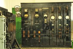 Alte und der Weinlese elektrische Transformatoren Stockfotos