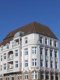 Alte und erneuerte Stadtwohnung Stockfoto