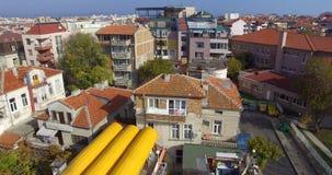 Alte und neue Architektur im bulgarischen Pomorie Stockbilder