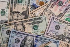Alte und neue Dollarscheine lokalisiert Stockfotografie