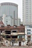 Alte und neue Häuser in Shanghai Stockbilder
