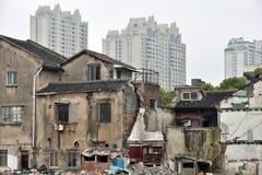 Alte und neue Häuser in Shanghai Lizenzfreie Stockfotografie