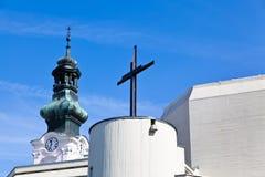 Alte und neue Kirche im oberwart Lizenzfreies Stockbild