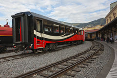 Alte und neue Railcars Stockfotografie