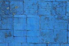 Alte und verlassene blaue Fliese Stockbild
