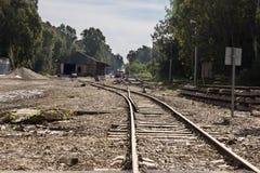Alte und vernachlässigte Eisenbahn stockfotos