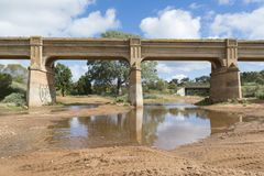 Alte veraltete Bahnbrücke, Pallamana, Süd-Australien Stockfotografie