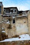 Alte verfallene Fenster in Bakus alter Stadt, Aserbaidschan Lizenzfreie Stockbilder