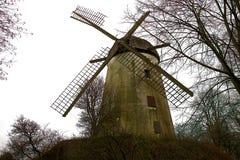Alte verfallene historische Turmmühle Lizenzfreie Stockbilder