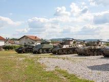 Alte verlassene Behälter, nach Krieg in Kroatien Stockfoto
