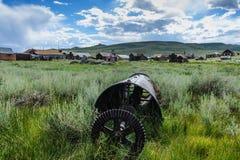 Alte, verlassene Bergwerksausrüstung Lizenzfreie Stockbilder