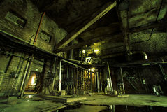 Alte verlassene Fabrik stockbilder