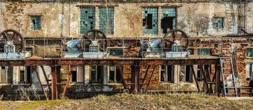 Alte verlassene Schleusentoren Lizenzfreie Stockfotos