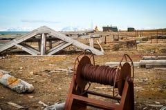 Alte verrostete minig Ausrüstung, Svalbard Stockfotografie