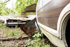 Alte verrostete und verlassene Autos Lizenzfreies Stockfoto