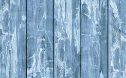 Alte verwitterte gebrochene flockige blaue hölzerne lamellierte Block-Brett Platten-Schmutz-Beschaffenheit Stockfoto