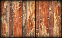 Alte verwitterte gebrochene flockige hölzerne lamellierte Block-Brett Platte Vignetted-Schmutz-Beschaffenheit Lizenzfreie Stockfotografie