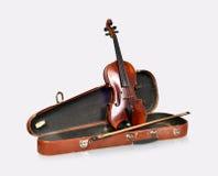 Alte Violine, Fall mit Bogen Stockbild