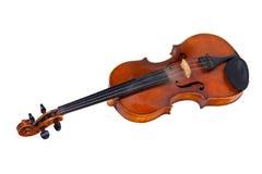 Alte Violine, getrennt auf einem weißen Hintergrund Stockfotos