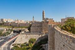Alte Wände und Turm von David in Jerusalem Stockfotografie