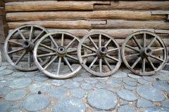 Alte Wagenräder Lizenzfreie Stockfotos