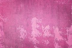 Alte Wand gemalt mit dunkler rosa Farbe Ungleiche Beschaffenheit, mit Flecken und Flecken Hintergrund f?r Pl?ne stockbilder