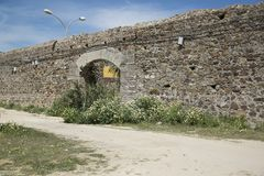 Alte Wand im spanischen Dorf lizenzfreie stockfotografie