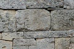 Alte Wand mit Maurerarbeit Stockbild