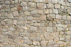 Alte Wand mit Natursteinen Stockbild