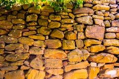 Alte Wand von runden Steinen Lizenzfreies Stockbild