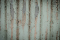 Alte Wandplanken knackten durch einen rustikalen Hintergrund Lizenzfreie Stockfotos