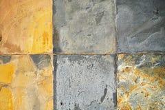 Alte Wandstein Umhüllungs-Fliesenmuster handcraft entworfene Kirchenwand des Fliesenmusterhausdesigns Gebäude von Thailand-Öffent Lizenzfreie Stockbilder