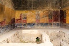 Alte Wanne in Pompeji-Badeanstalt Stockfoto