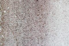 Alte weiß-gemalte Wand mit Form befleckt als abstrakter Hintergrund Stockfotografie