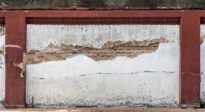Alte weiße Betonmauer Stockbild