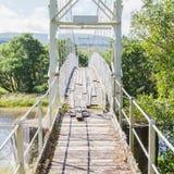Alte weiße Brücke Stockfotos