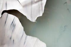 Alte weiße Farbe auf einer Fensterglasbeschaffenheit Lizenzfreie Stockbilder