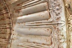 Alte weiße rostige Eisenbeschaffenheitsnahaufnahme Stockfoto