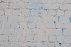 Alte weiße und graue Backsteinmauer Stockbild