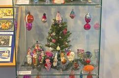Alte Weihnachtsdekorationen auf dem Thema des Zirkusses Lizenzfreies Stockfoto