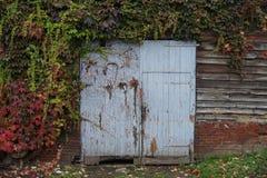 Alte Weinlese-Garage - Herbst Stockbild